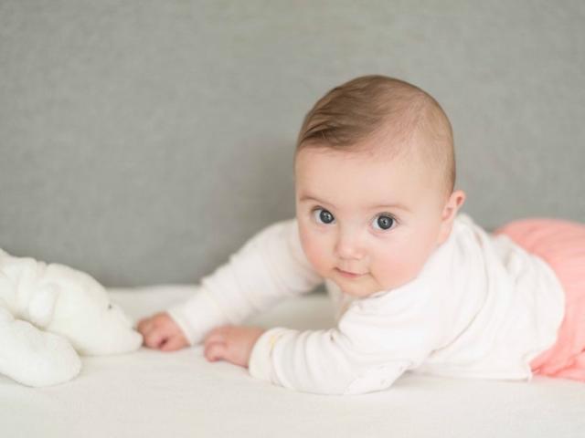 photo en studio bébé lyon