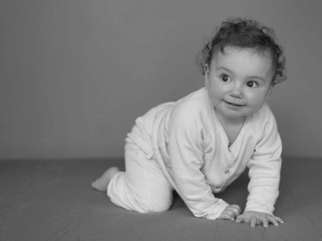 photographe bébé fille lyon
