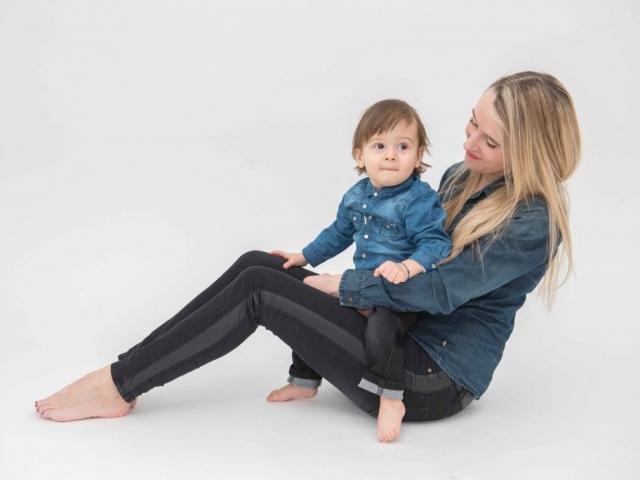 photographe de famille en studio lyon