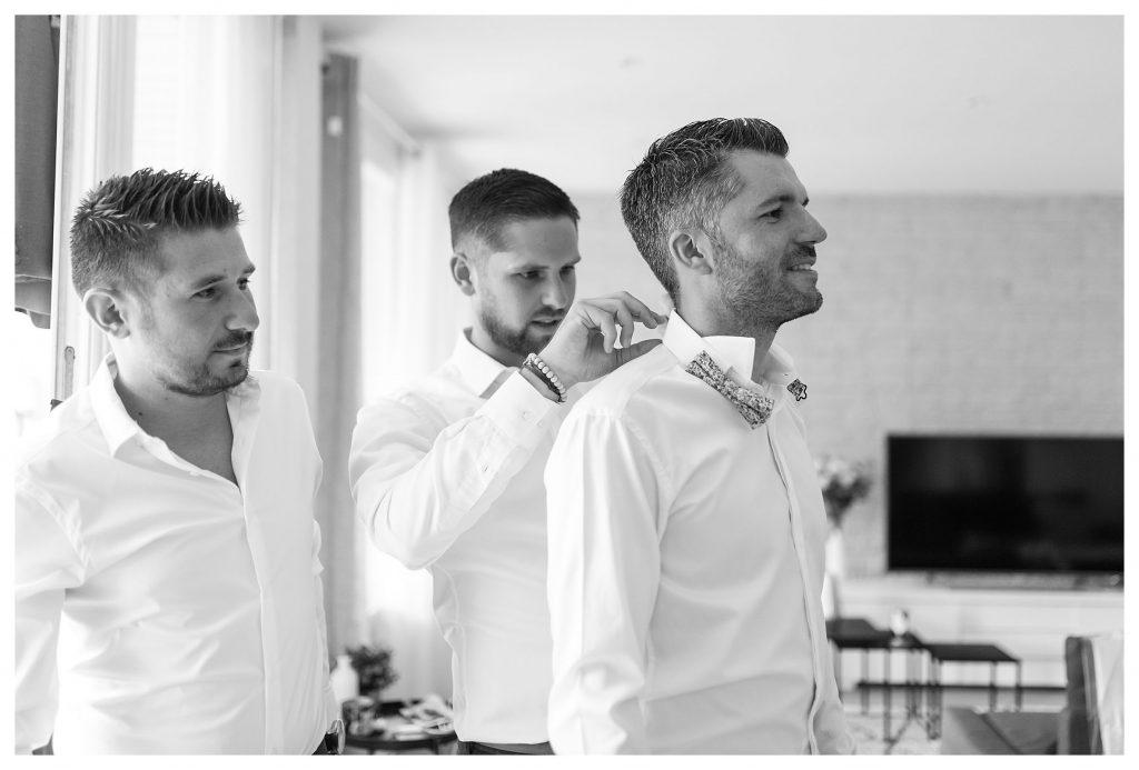 préparatifs du marié avec ses témoins